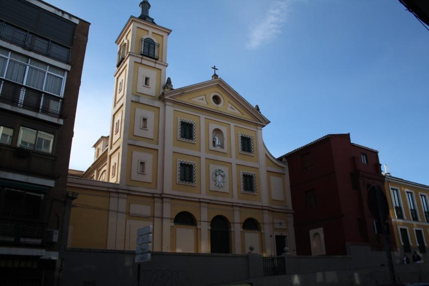 8. Iglesia del colegio Santo Ángel de la Guarda
